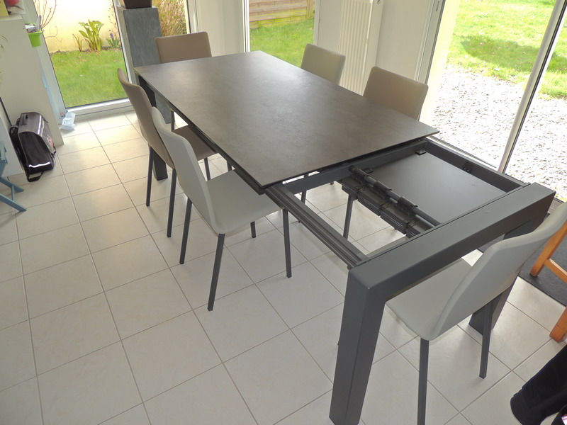 Tables c ramiques extensibles exodia home design rennes for Table largeur 70 cm avec rallonge