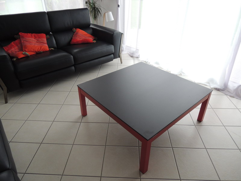 Table basse altea carree noir et rouge exodia exodia - Table basse noir et rouge ...
