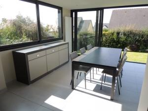table-extensible-julia-ceramique-veranda-et-bahut-laque-exodia