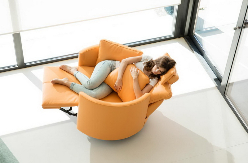 fauteuil de relaxation MOON FAMA orange