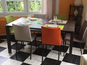 table ceramique chaises siero couleurs