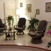 135 salon rotin Madrid fauteuils pivotants taupe
