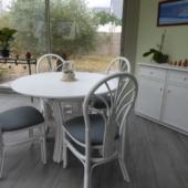 158 table chaises et bahut rotin blanc veranda