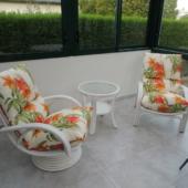 05 fauteuil rotin Valence fleuri veranda